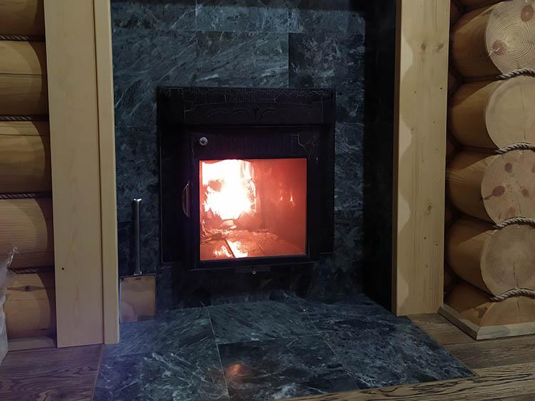 печка в комнате отдыха